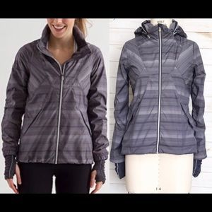 Lululemon run hustle jacket size 6 grey stripe